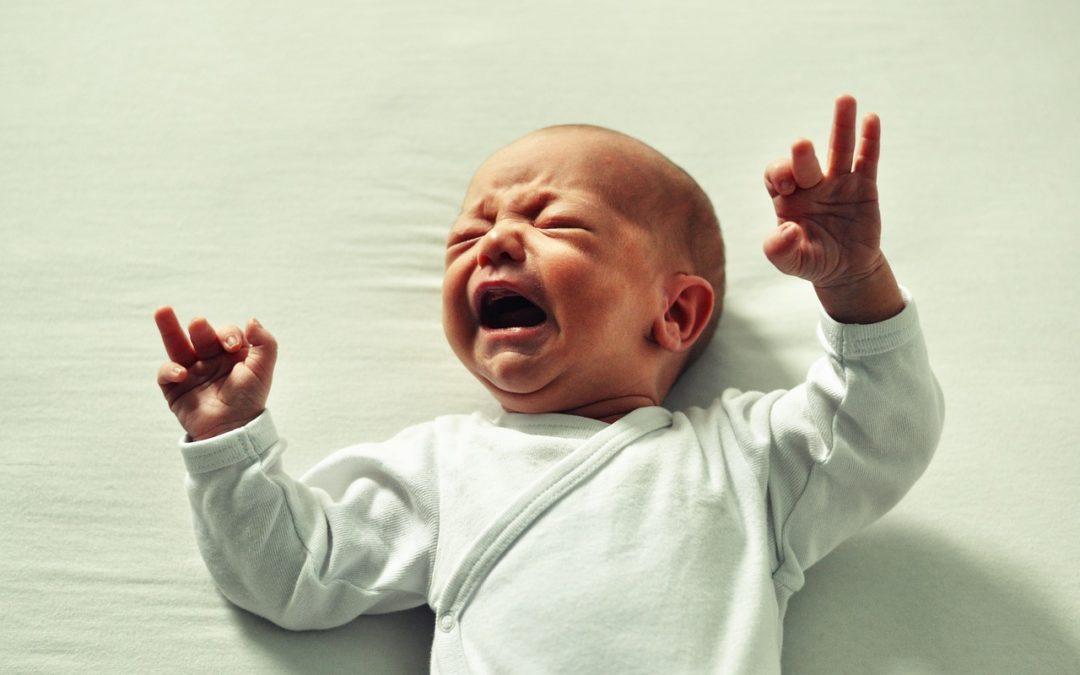 Sollte man Babys schreien lassen? 8 Gründe gegen das Schlaftraining